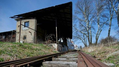"""La cantine des SS d'Auschwitz, un lieu oublié de """"l'épicentre de l'Holocauste"""""""