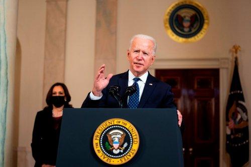 Biden califica la condena de Chauvin como un paso adelante en la marcha hacia la justicia   La Opinión
