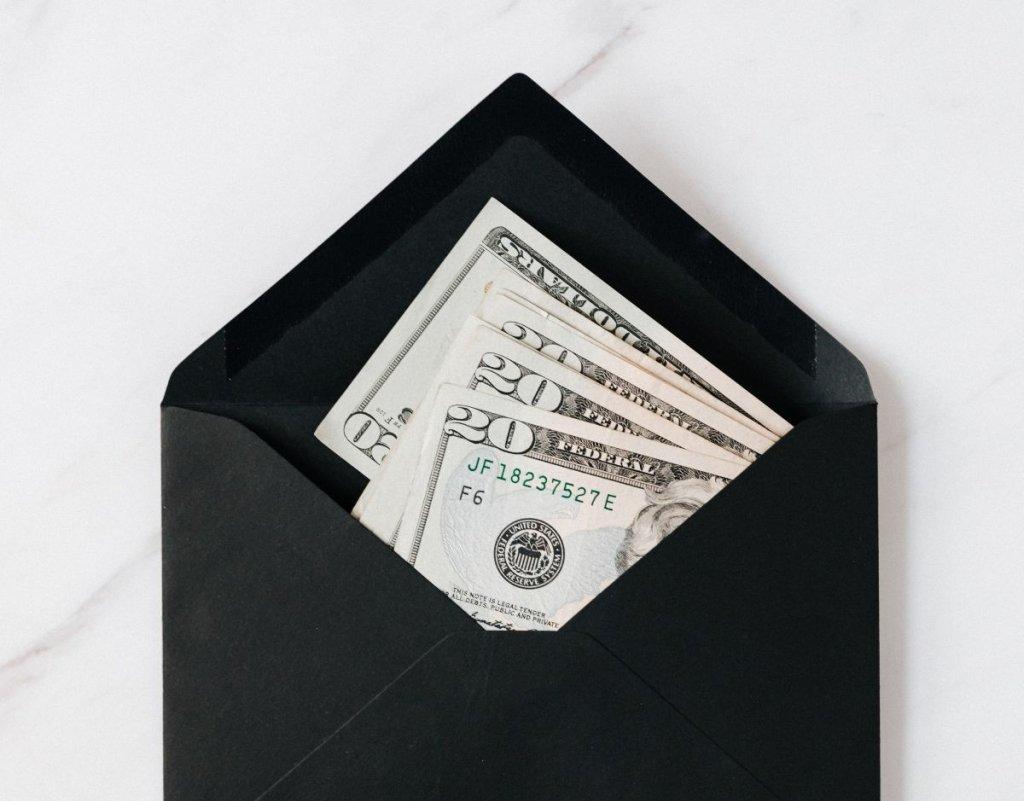 Dinero - cover