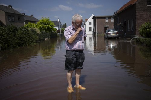 Dutch expect sea level to rise even further, threatening dikes, says national climate agency