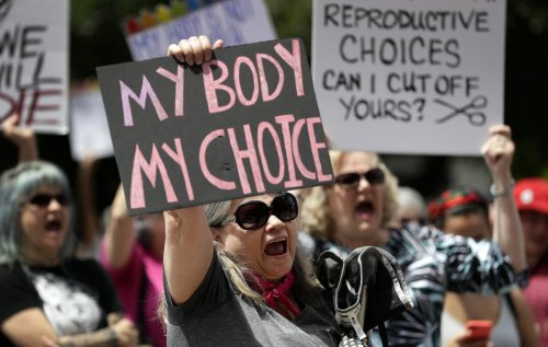Court again lets Texas continue banning most abortions