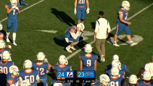 Video: Division III quarterback blows game with unbelievable mental error