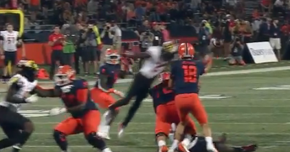 Illinois QB Brandon Peters was nearly decapitated by this crazy targeting hit