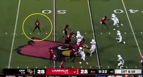 Video: Louisville burns UCF with cool trick play for touchdown