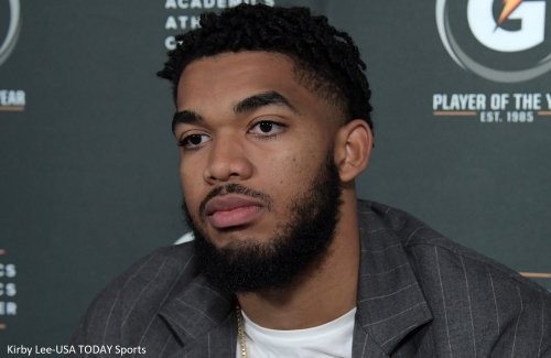 Karl-Anthony Towns shares emotional moment with father before Mother's Day game