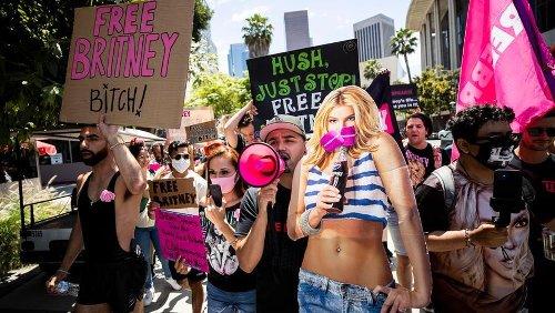 """Britney Spears in tribunale: """"Basta con la tutela paterna, rivoglio la mia vita"""""""