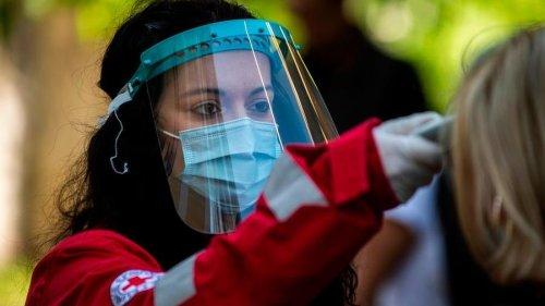 """Coronavirus, l'Oms: """"Dobbiamo essere pronti alla seconda o terza ondata del virus"""". Ancora 74 Comuni in zona rossa"""
