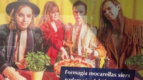 """Lettonia, ingaggiati dei sosia dei Maneskin per lo spot della mozzarella: """"Apoteosi del tarocco, mistifica l'immagine dell'Italia"""""""