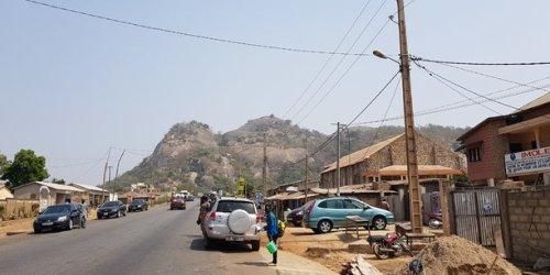 Afrique: Vinci Energies signe pour construire au Bénin 1.500 km de lignes électriques