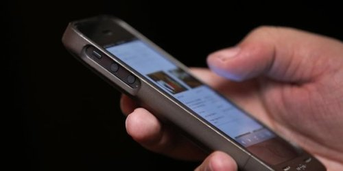 Redevance sur les smartphones de seconde main : l'Assemblée coupe la poire en deux