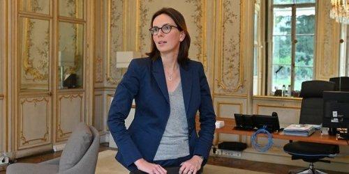 """""""Près de 200.000 postes"""" de fonctionnaires à supprimer selon Pécresse, Montchalin dénonce une """"surenchère à droite"""""""
