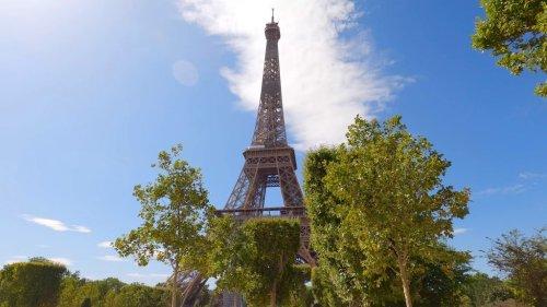 A Picturesque 5 Hour Walking Tour of Paris Landmarks