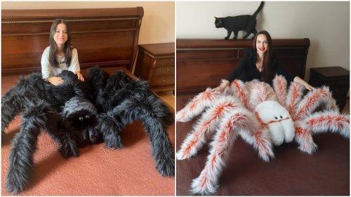 Giant Tarantula Pillows