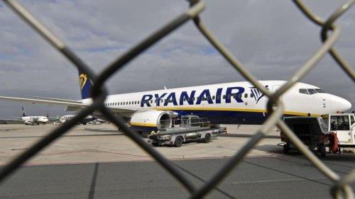Ryanair amenaza con cientos de despidos tras el verano