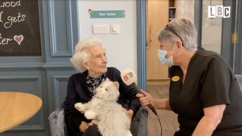 Dementia patient speaks for first time in 18 months with aid of 'robo-pet'