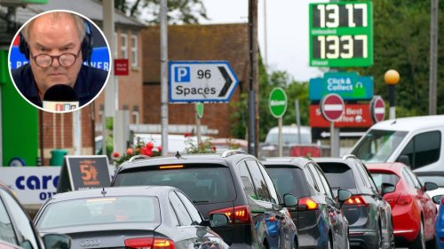 'Stop being stupid!' NHS workers urge Brits to stop panic-buying fuel