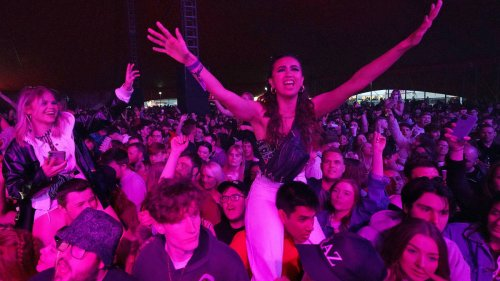 Thousands flock to pilot music festival in Liverpool after negative Covid tests