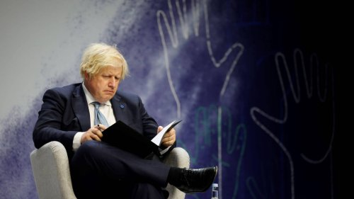 "Boris Johnson's popularity plummets amid ""pingdemic"" and lockdown's easing"