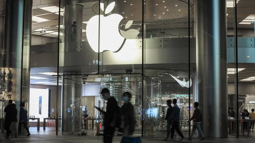 Apple faces £1.5 billion legal battle after being accused of 'overcharging' UK customers