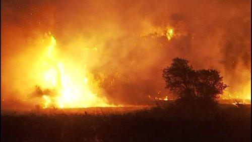 Violent incendie dans l'Aude : 320 pompiers toujours mobilisés