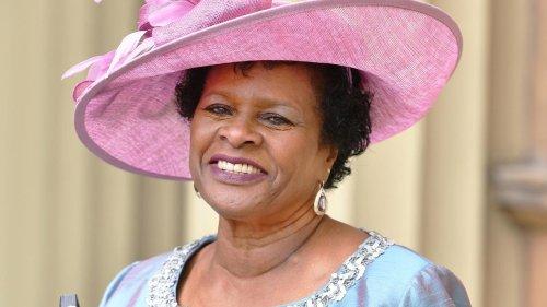 """La Barbade dit """"good bye"""" à la couronne d'Angleterre en élisant sa première présidente, Rihanna nommée ambassadrice"""