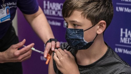 Covid-19 : faut-il vacciner les enfants âgés de 5 à 11 en France ?