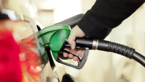L'essence des grandes surfaces est-elle de moins bonne qualité ? Le 20H vous répond