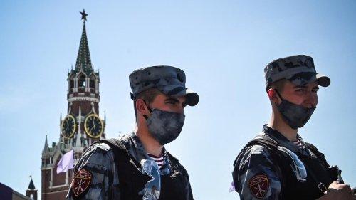 Covid-19 : comment expliquer la flambée épidémique à Moscou ?