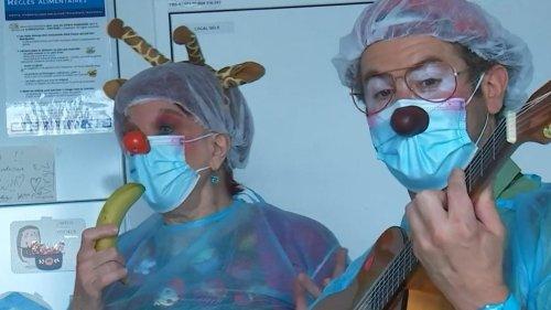 """""""On vit des choses très fortes"""" : dans les hôpitaux, des clowns pour animer le quotidien des enfants"""