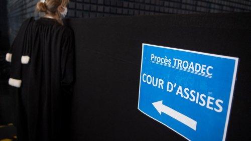"""Affaire Troadec : Lydie Troadec exprime sa """"colère"""" au premier jour du procès"""