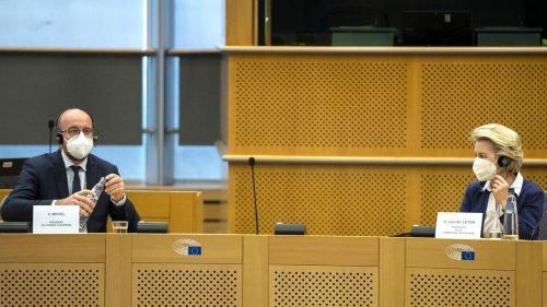 Covid-19 : des ONG alertent l'Europe sur les masques contenant du graphène