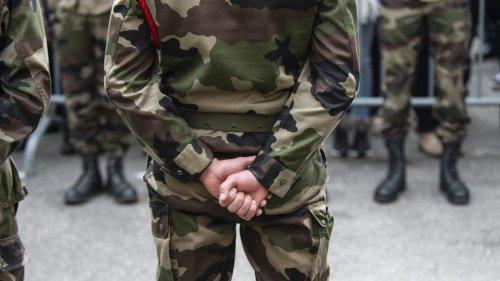 """Tribune de militaires dans """"Valeurs Actuelles"""" : 58% des Français soutiennent les signataires, selon notre sondage exclusif"""