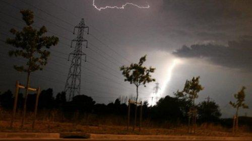 """Alerte aux orages : 10 départements en vigilance, risque de """"phénomène violent"""""""