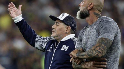 """Mort de Diego Maradona : son ancien avocat met en cause """"un traitement très mauvais"""""""