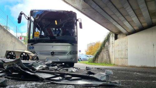 VIDÉO – Ce pont de Mulhouse n'en finit plus de piéger camionnettes et bus