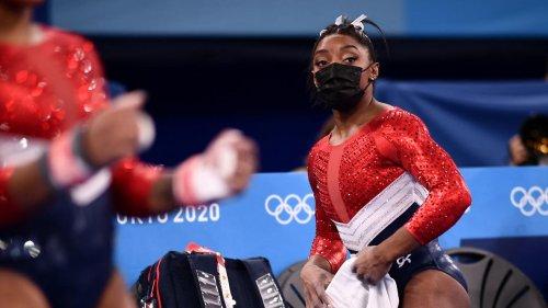 """Simone Biles et ses """"démons"""" : l'épineuse question du mal-être psychique des sportifs"""