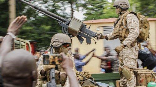 """Mali : qui sont les mercenaires du groupe paramilitaire Wagner, """"armée de l'ombre du Kremlin"""" ?"""