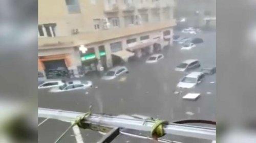 VIDÉO – Un an de précipitations en 48h : la Sicile frappée par des inondations meurtrières