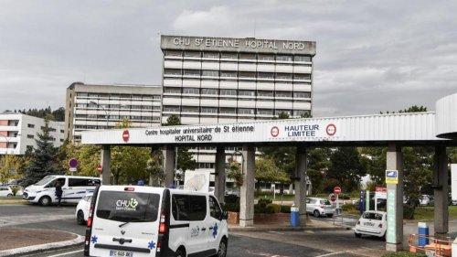 Une soixantaine d'opposants au pass sanitaire s'introduisent dans l'hôpital de Saint-Etienne