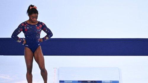 """JO de Tokyo : l'Américaine Simone Biles se retire du concours par équipes à cause de """"démons dans sa tête"""""""