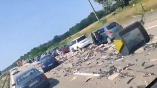 VIDÉO - Haut-Rhin : des automobilistes se ruent sur des dosettes de café tombées sur l'autoroute