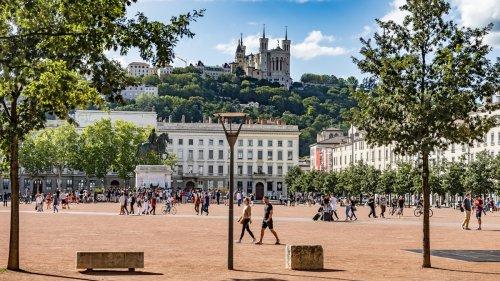 Covid-19 : avec l'explosion des cas, de nouvelles restrictions vont être annoncées à Lyon