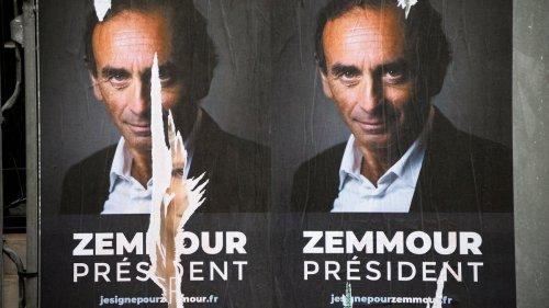#PoseTonZob : le nouveau jeu pour détourner les affiches d'Éric Zemmour