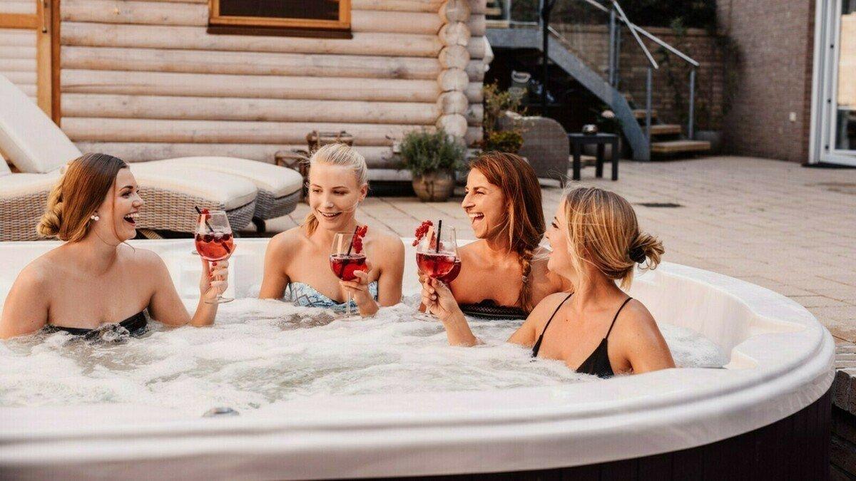 À Lyon, il est possible de louer un spa-jacuzzi à installer dans votre salon