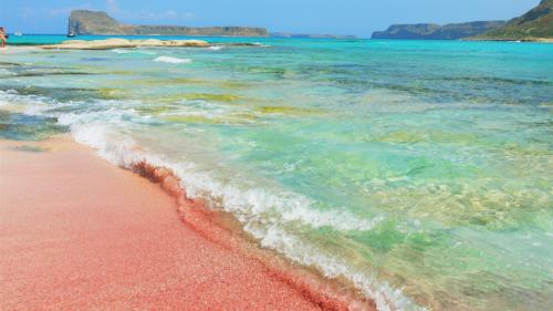 Déconfinement : voici 5 plages de sable rose pour rêver