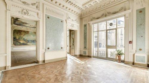 Qui veut acheter cet hôtel particulier de 1300m2 avec jardin à Paris ?