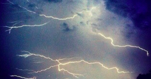 Thunderstorms to hit with 'danger to life' flood warnings tonight