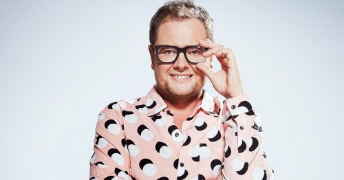 Alan Carr's 'snide' remark about Meghan Markle sparks chaos