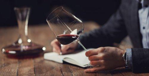 Comment parler d'un vin ? 10 expressions de connaisseurs à maîtriser