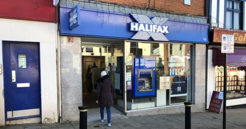 Customers gutted as Halifax in Hinckley closes